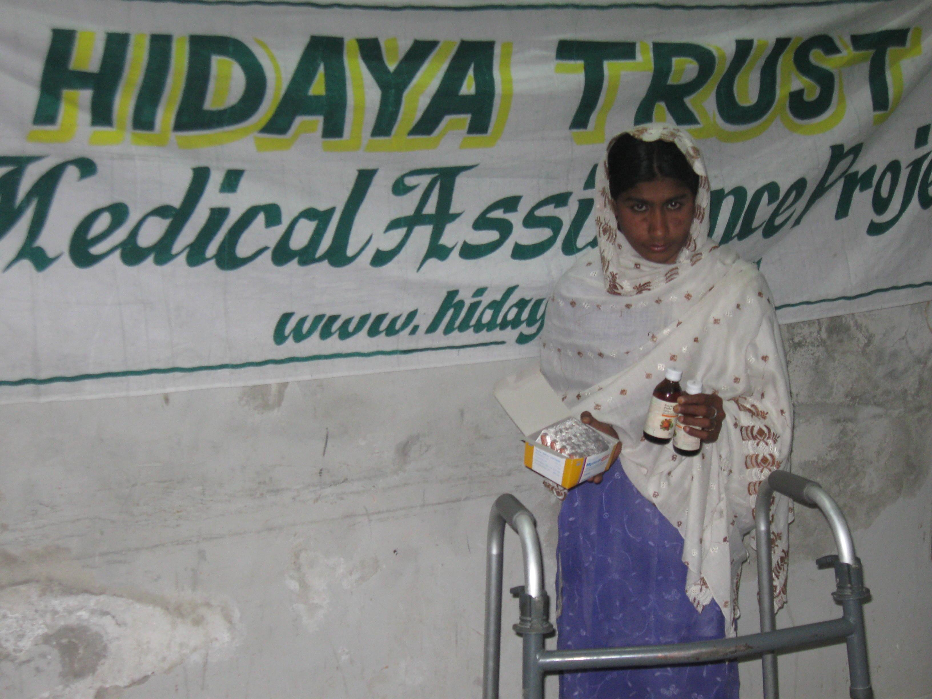 20100517_Sldo_Meda_Aqureshi_Aqureshi_Sind_Shp_Shp_Medicine_Given_To_Patient_2