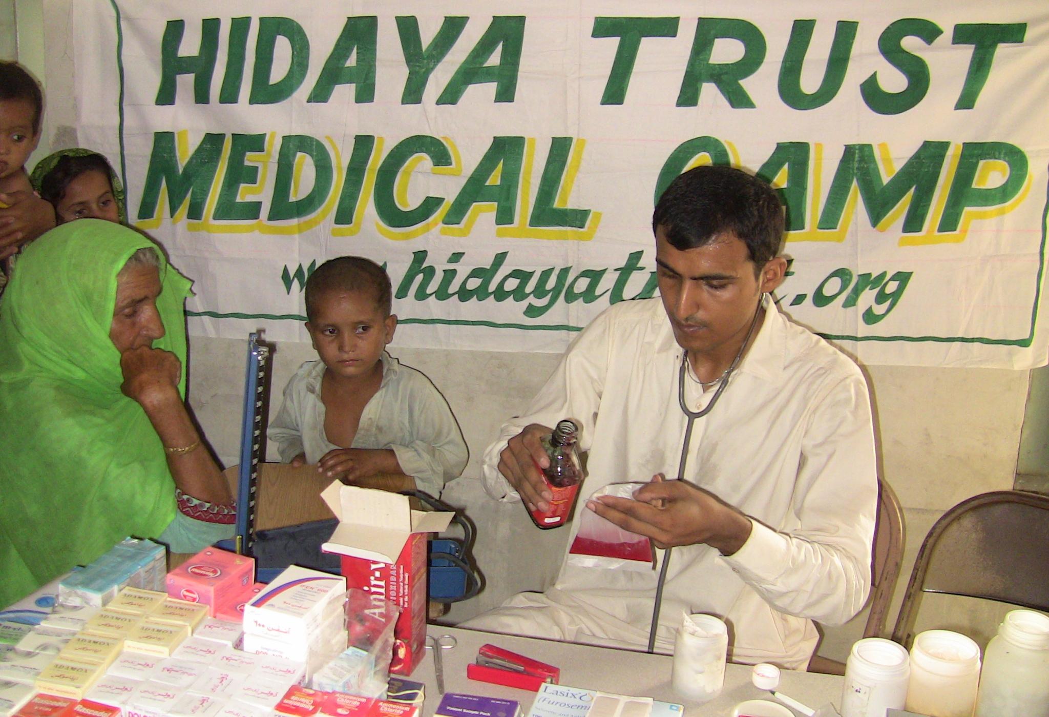 20110716_Sldo_Hcp_Aaqureshi_Bdsanjrani_Sind_Shp_Villrahimabad_Balochform_Medicalcamp_130