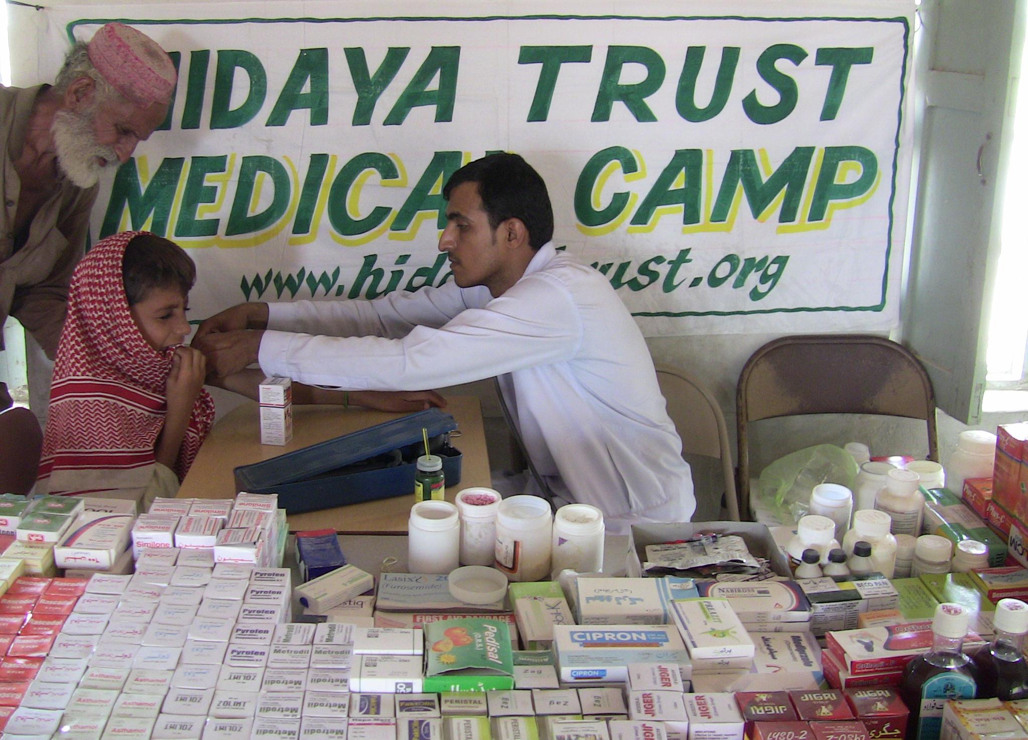 20110720_Sldo_Hcp_Aaqureshi_Bdsanjrani_Sind_Shp_Villrahimabad_Balochform_Medicalcamp_52
